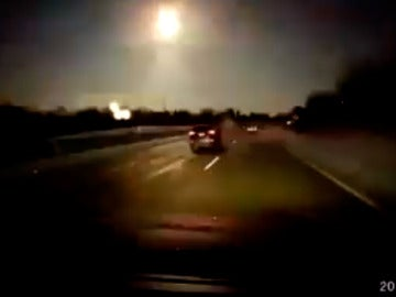 Un meteorito ilumina el cielo de Detroit