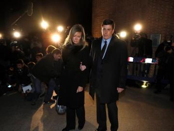 Los padres de Diana Quer a su llegada al funeral que se celebra por su hija