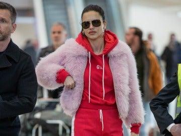 El antilook de Adriana Lima en el aeropuerto