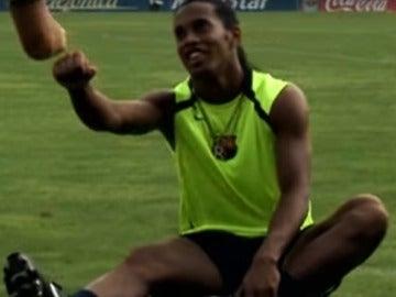 Ronaldinho, en un momento del vídeo
