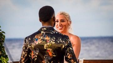 Alessandra y Adrián, sorpresas y confesiones a primera vista