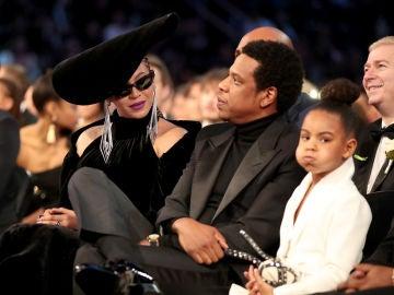 Beyoncé, Jay-Z, y Blue Ivy en la gala de los Grammy 2018