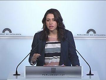 """Arrimadas acusa a Torrent de """"huir adelante"""" y aumentar la inestabilidad: """"Puigdemont no va a volver a ser presidente de la Generalitat"""""""