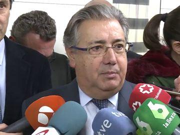 """Zoido, sobre los supuestos mensajes de Puigdemont a Comín: """"Ha fracasado el esperpento que ha puesto en funcionamiento este señor"""""""