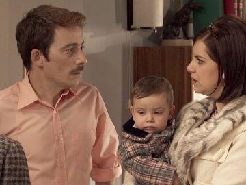 Marta, petrificada ante la nueva situación de Víctor