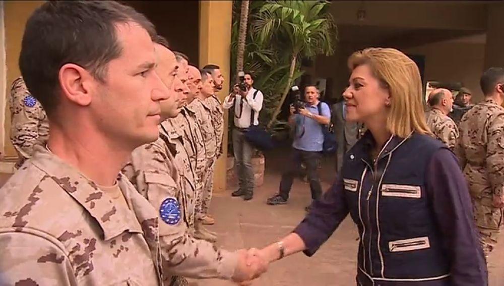 """María Dolores de Cospedal defiende la misión española en Mali: """"Las amenazas no están a la vuelta de la esquina"""""""