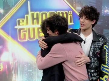 La emotiva despedida de Pablo Motos a Javier Calvo y Javier Ambrossi en su visita a 'El Hormiguero 3.0'