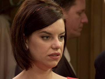 Tía Avelina confiesa a Marta el beso entre Raquel y Durán