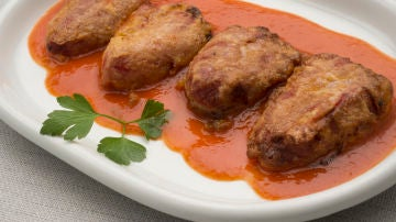 Pimientos rellenos de pollo y huevo