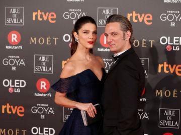Una de las parejas más bonitas de la noche Juana Acosta y Ernesto Alterio