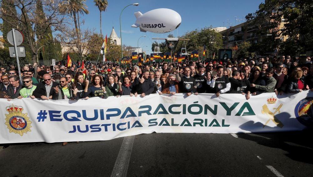 Manifestación convocada por JUSAPOL en Sevilla