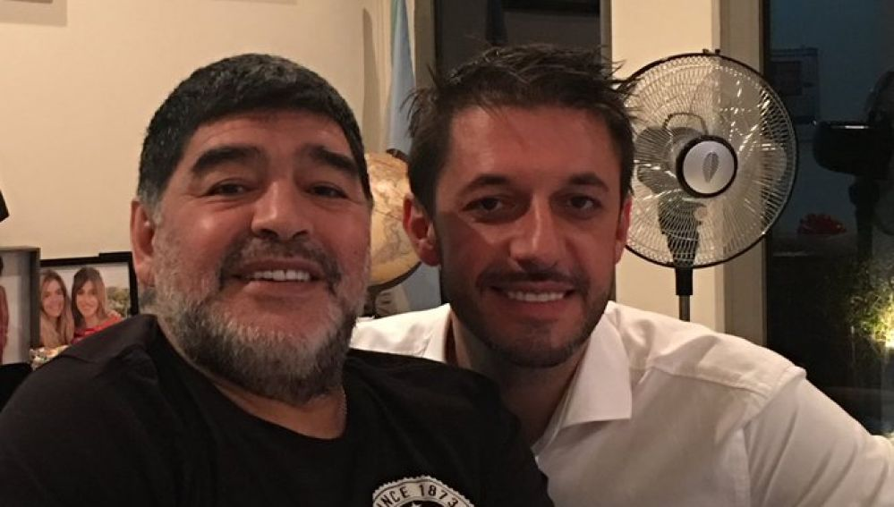 Maradona, con su abogado