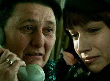 La madre de Tokio traiciona a su hija en 'La casa de papel'