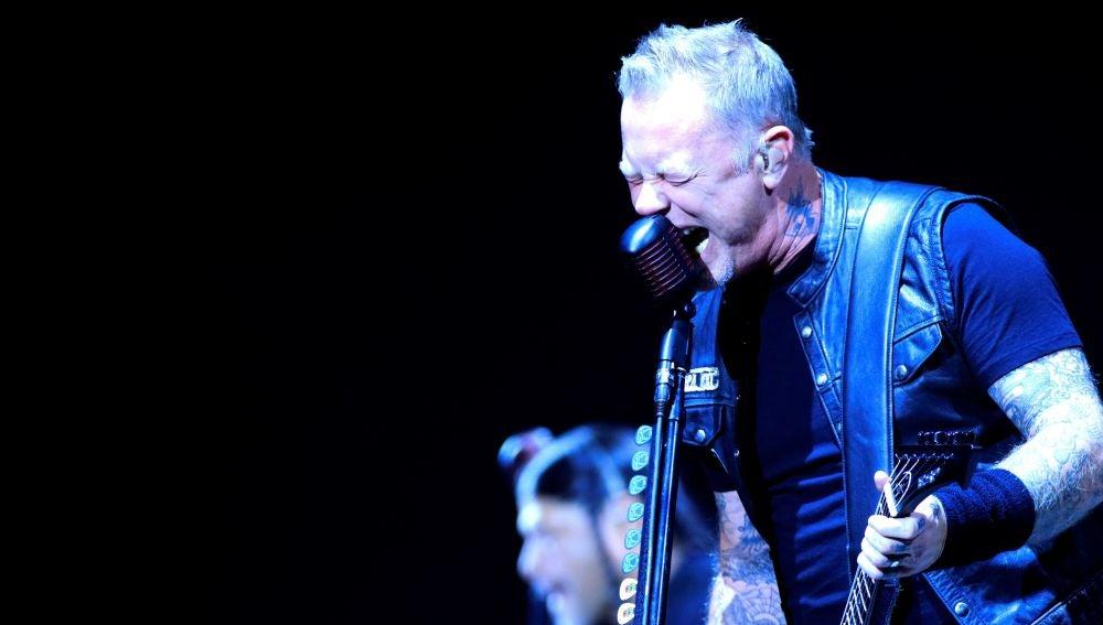 El guitarrista y cantante del grupo Metallica