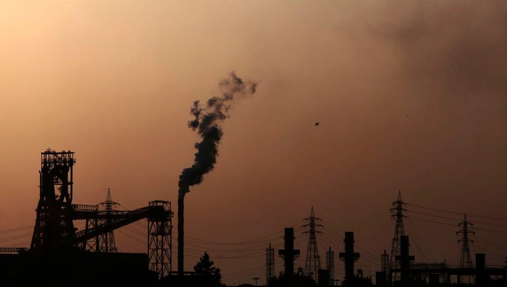 La planta siderúrgica que provoca la contaminación