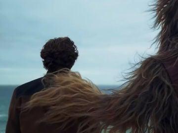 Han Solo y Chewbacca en 'Han Solo: Una historia de Star Wars'