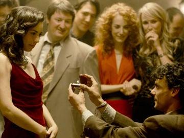 El Dela pide matrimonio a su novia delante de todos sus amigos