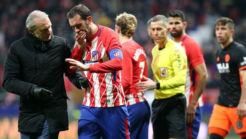 Godín, tras perder varios dientes en el partido contra el Valencia