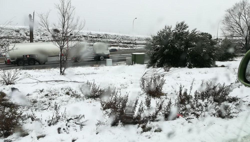 Foto de la M-40 durante el temporal de nieve