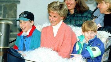 La princesa Diana con sus hijos