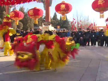 China celebra la llegada del nuevo año: el gallo cede paso al perro