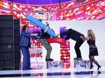 Àngel Llàcer y Lucía Jiménez se convierten en unos peculiares gladiadores