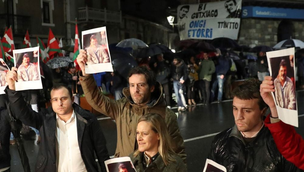 Diputados del PP contra el homenaje a etarras en Andoáin