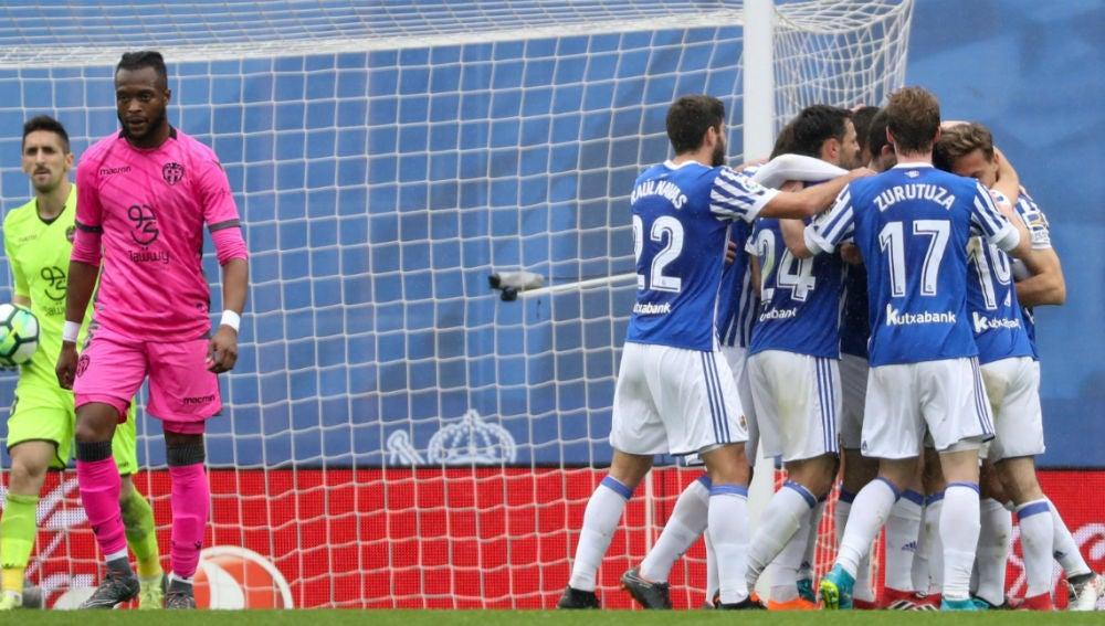 La Real Sociedad celebra un gol ante el Levante
