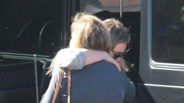 Hilary Duff muy afectada tras llevar a uno de sus perros a urgencias