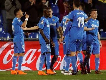 Los jugadores del Getafe celebran uno de los goles ante el Celta
