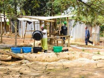 Varios trabajadores en Kenia