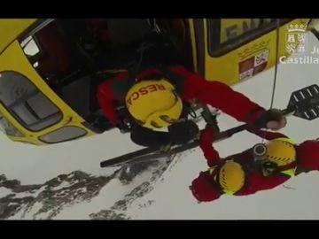 Complicado rescate de un montañero en el pico medio día, León
