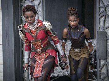 Lupita Nyong'o y Letitia Wright en 'Black Panther'