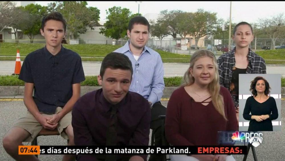 Estudiantes de la escuela de Florida en la que Nikolas Cruz cometió el tiroteo