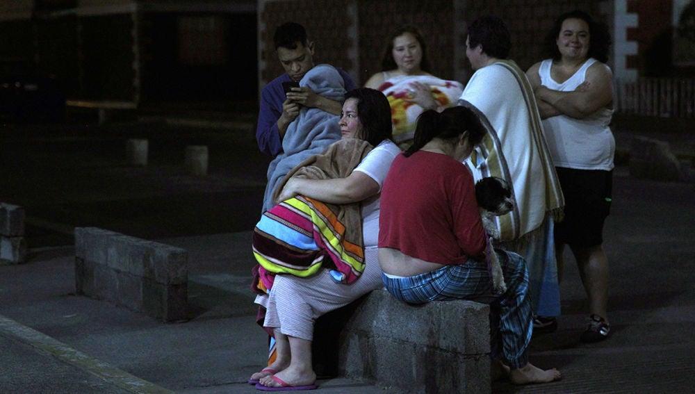 Un grupo de afectados por el terremoto de México