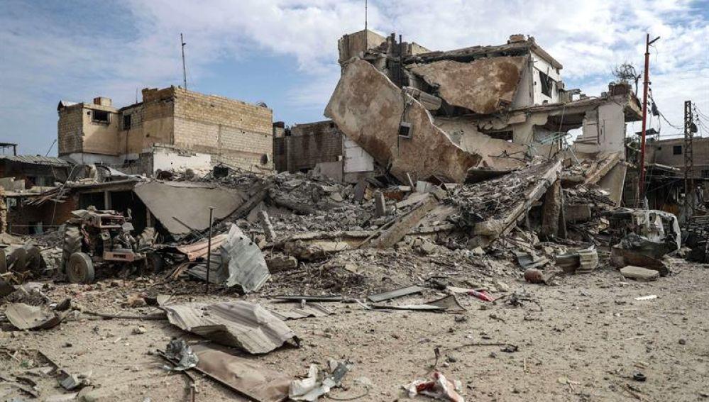 Edificios destruídos tras un bombardeo al este de Guta
