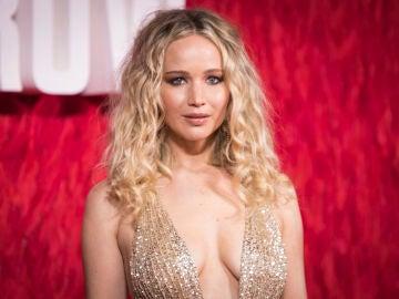 Jennifer Lawrence en la premiere en Londres de 'Gorrión Rojo'