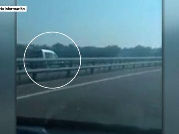 Un hombre de 84 años conduce en dirección contraria por una autopista de Cádiz