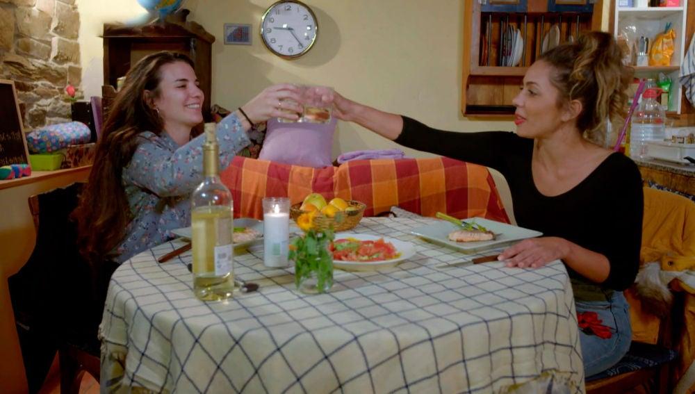 Sorpresas y tequila en la celebración de aniversario de Sheyla y Carolyne
