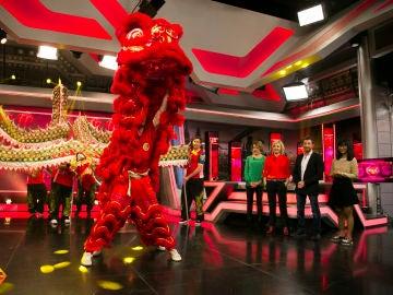 'El Hormiguero 3.0' celebra el Año Nuevo Chino con la danza del dragón y del león