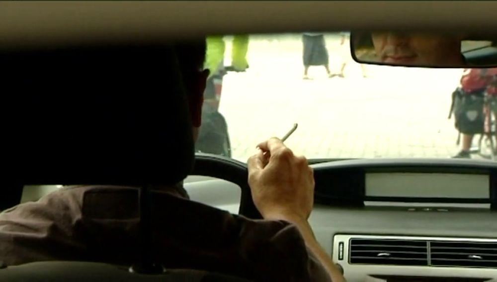 Lanzan la campaña 'Coche Sin Humo. Protégeles' para conseguir que los padres no fumen en el coche