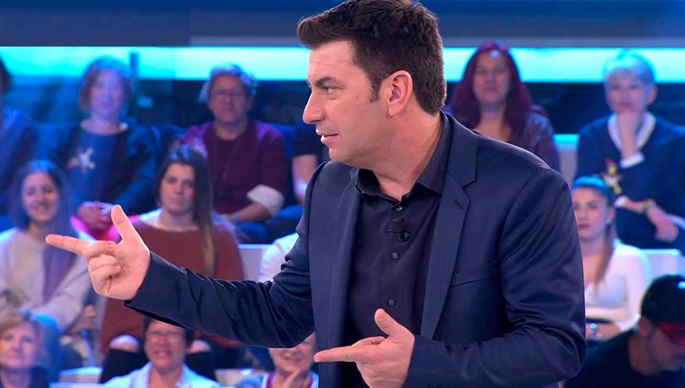 Arturo Valls, sorprendido con el gran parecido de una concursante con Cristina Pedroche