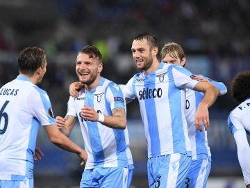 Los jugadores de la Lazio celebran su victoria