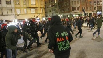 Disturbios en las afueras de San Mamés