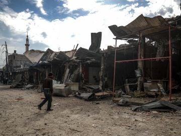 Edificios destruídos tras un bombardeo en Duma en Siria