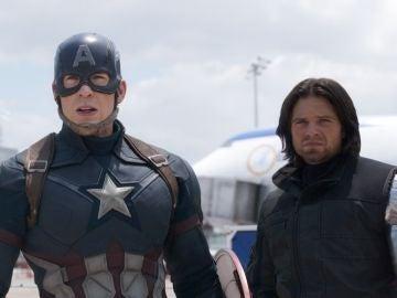Capitán América y Bucky Barnes en 'Civil War'