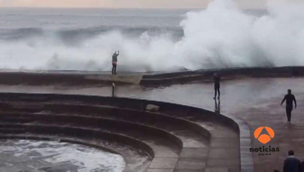 La imprudencia de una turista en Tenerife que podría haberle costado la vida