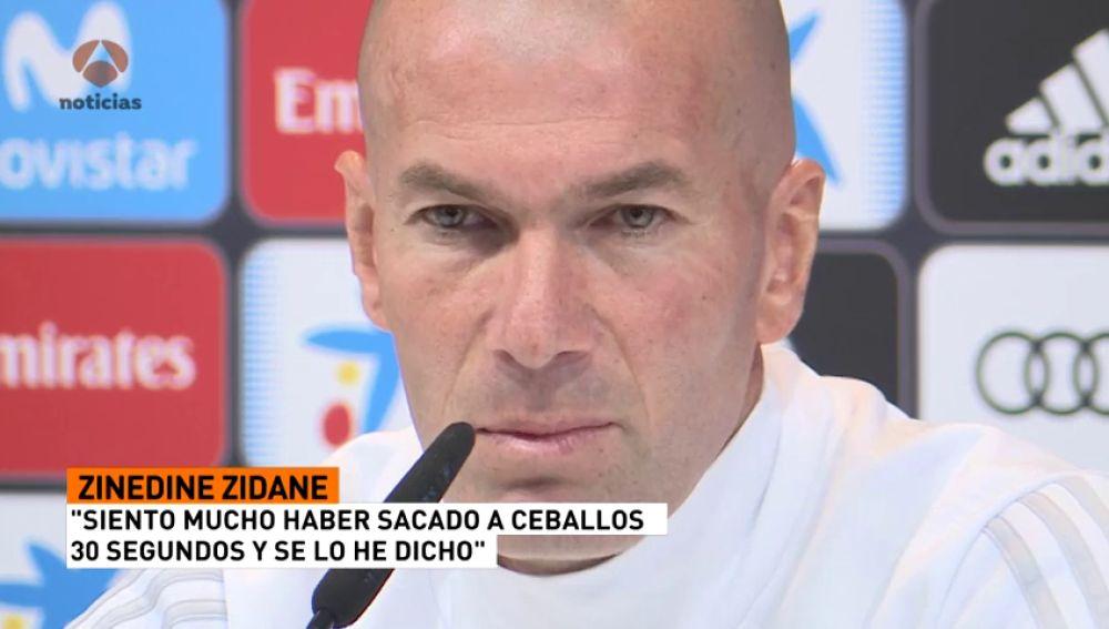 """Zidane, sobre el cambio de Ceballos: """"Lo siento mucho y se lo he dicho"""""""