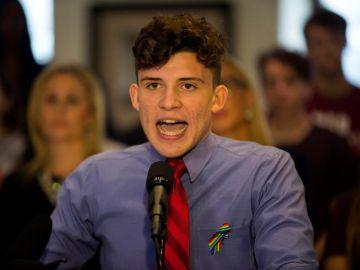 El español Alfonso Calderon, estudiante de la escuela secundaria Marjory Stoneman Douglas