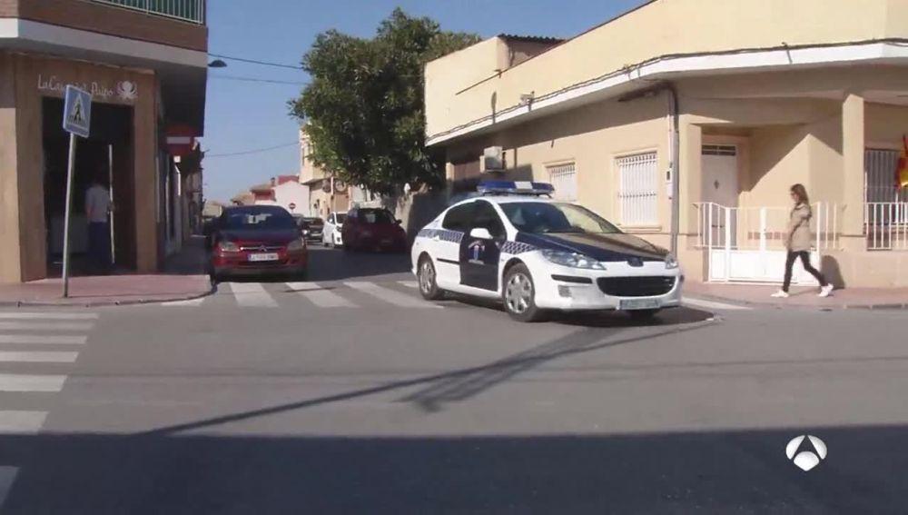 Coche de la Policía en las Torres de Cotillas